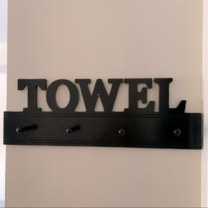 wall mounted towel sign